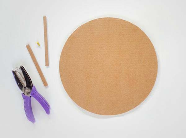 14.) DIY wall clock (great for kids crafts).